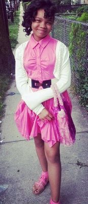 Essynce in pink - cropped.jpg